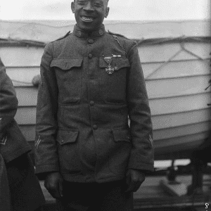 "Sergeant Henry Lincoln Johnson, 369th Infantry (""Harlem Hellfighters""), who single-handedly fought off a german raiding party to save his comrade, Private Needham Roberts, 1918."