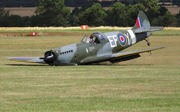 Replica Spitfire Crash