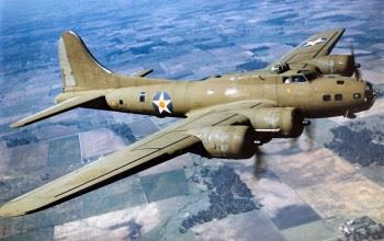 Boeing B-17E in flight. (Credits: U.S. Air Force)