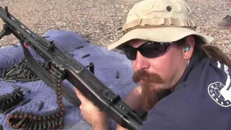 Firing a MG34 & MG42