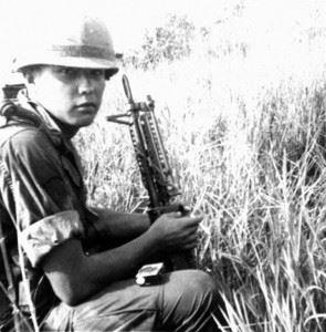 Spc.4 (later Sgt.) Bradley Jimerson with his M60 machine gun in Vietnam, ca. Feb. 1968. (Credits: Bradley Jimerson)