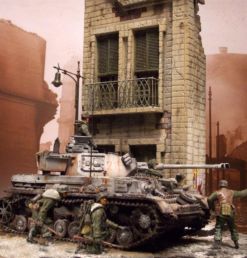 """Pzkw IV, Ausf G in Charkow, 1943"" diorama created by Andreas Coenen"